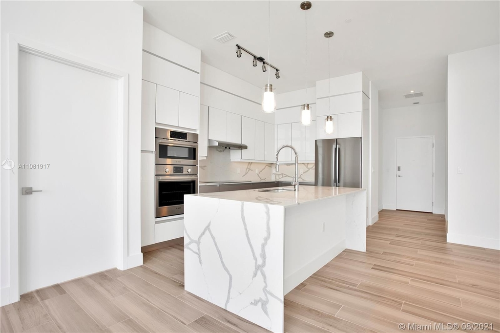 400 Nw 1st Ave - Photo 5
