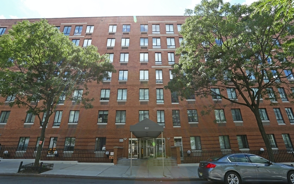 410 West 53rd Street - Photo 5