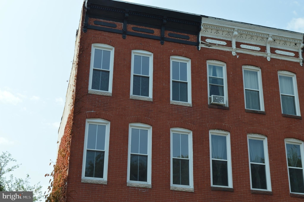 839 Hollins Street - Photo 32