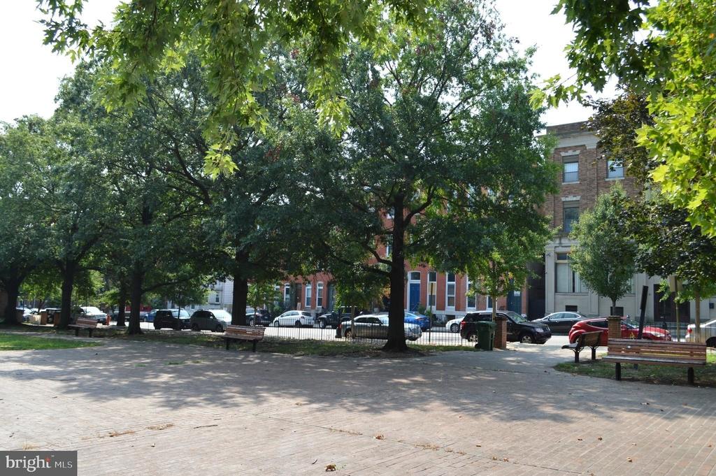 839 Hollins Street - Photo 29
