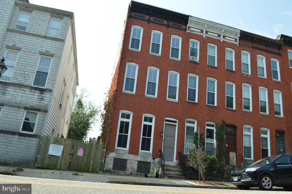 839 Hollins Street - Photo 33