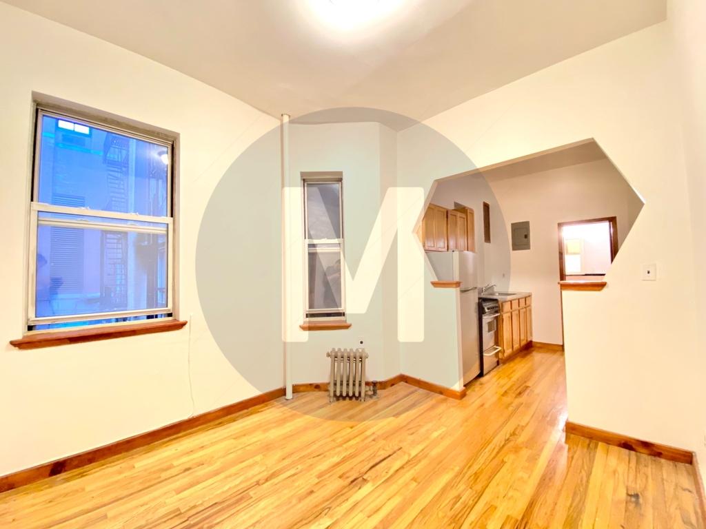 314 East 62nd Street - Photo 3