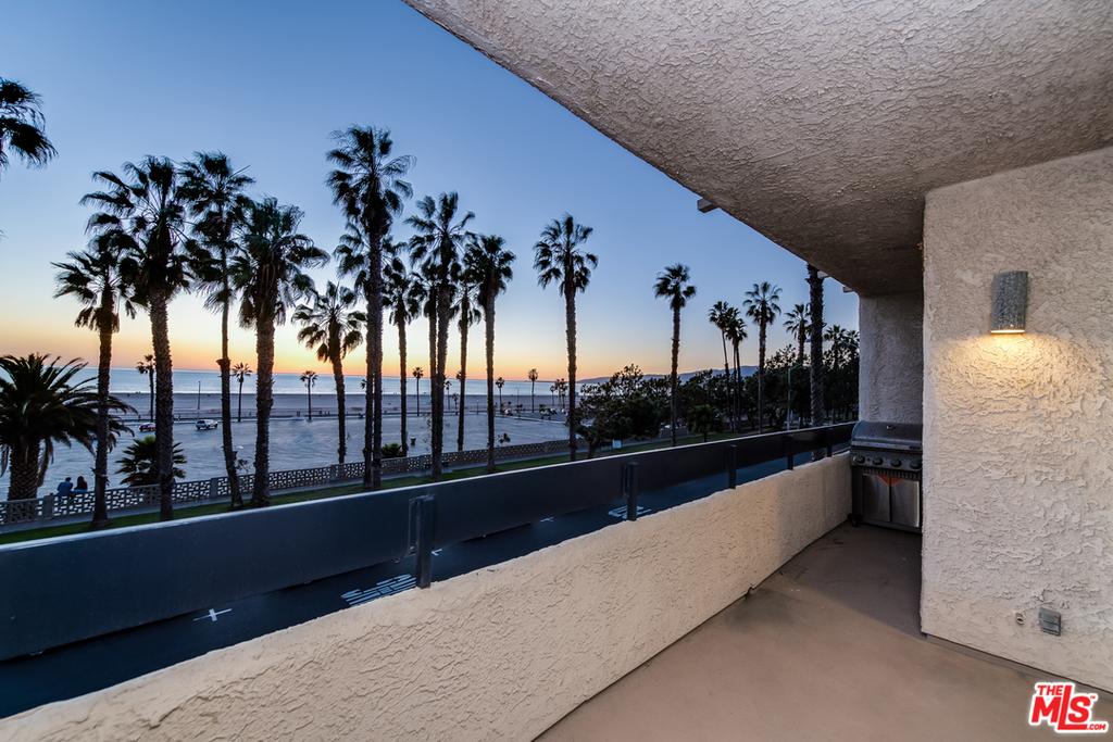 2221 Ocean Ave - Photo 2