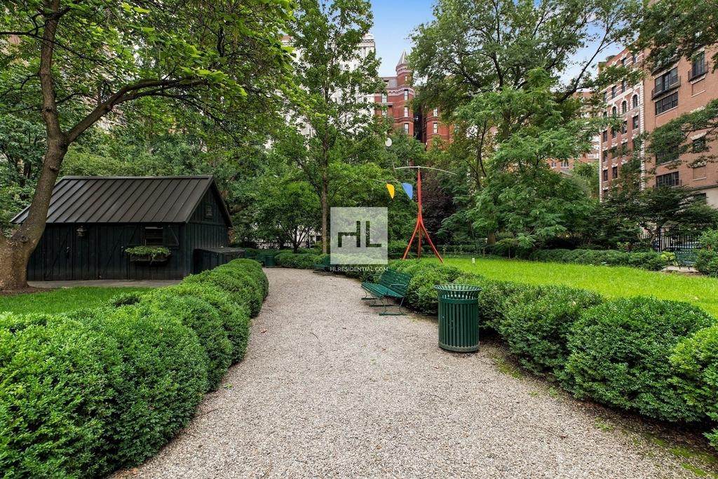 7 Gramercy Park West - Photo 16