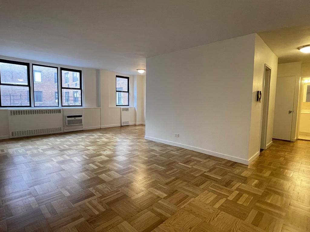 435 East 79th Street - Photo 1
