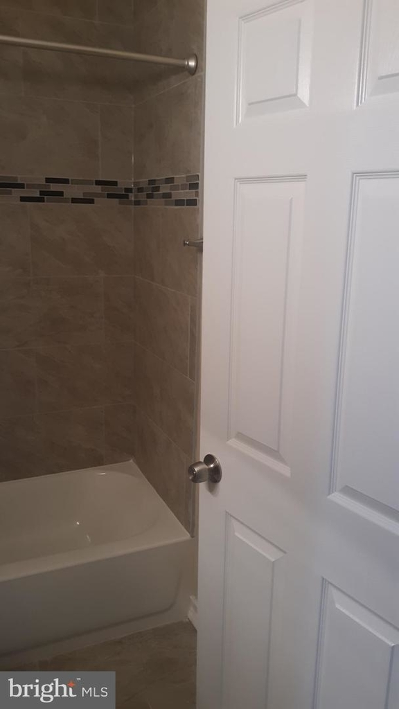 5632-unit # 2 Chester Ave #2 - Photo 22