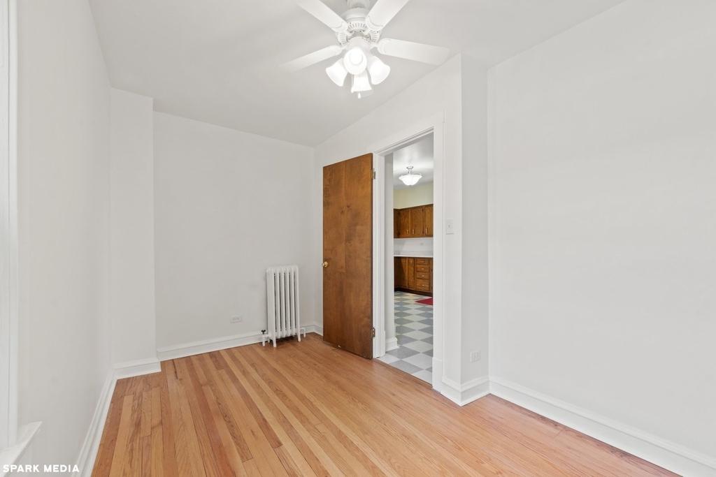 1813 West Greenleaf Avenue - Photo 11