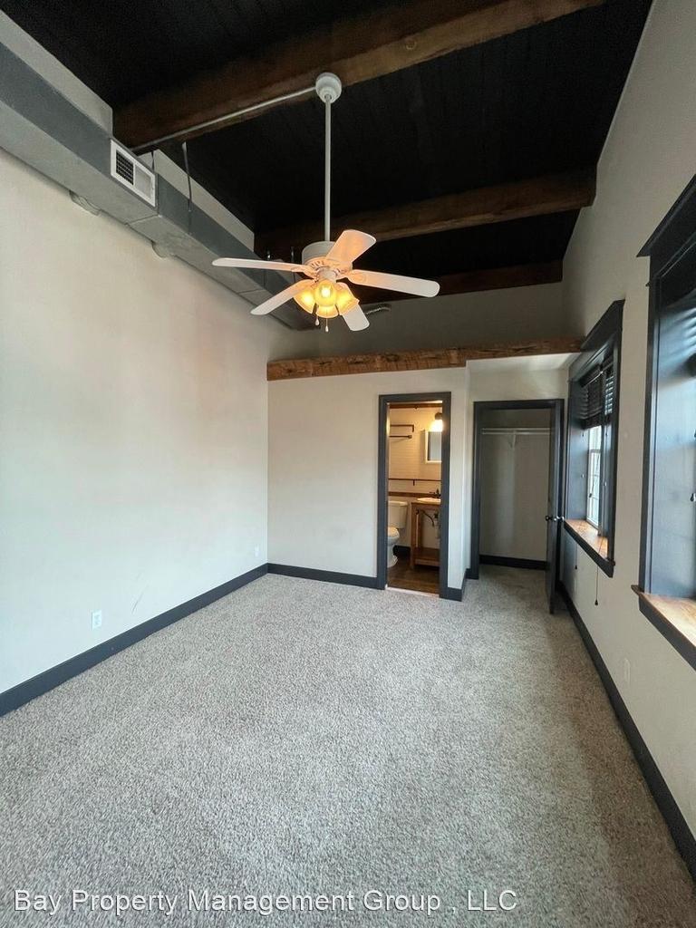 916 Washington Blvd - Upper Floor - Photo 9