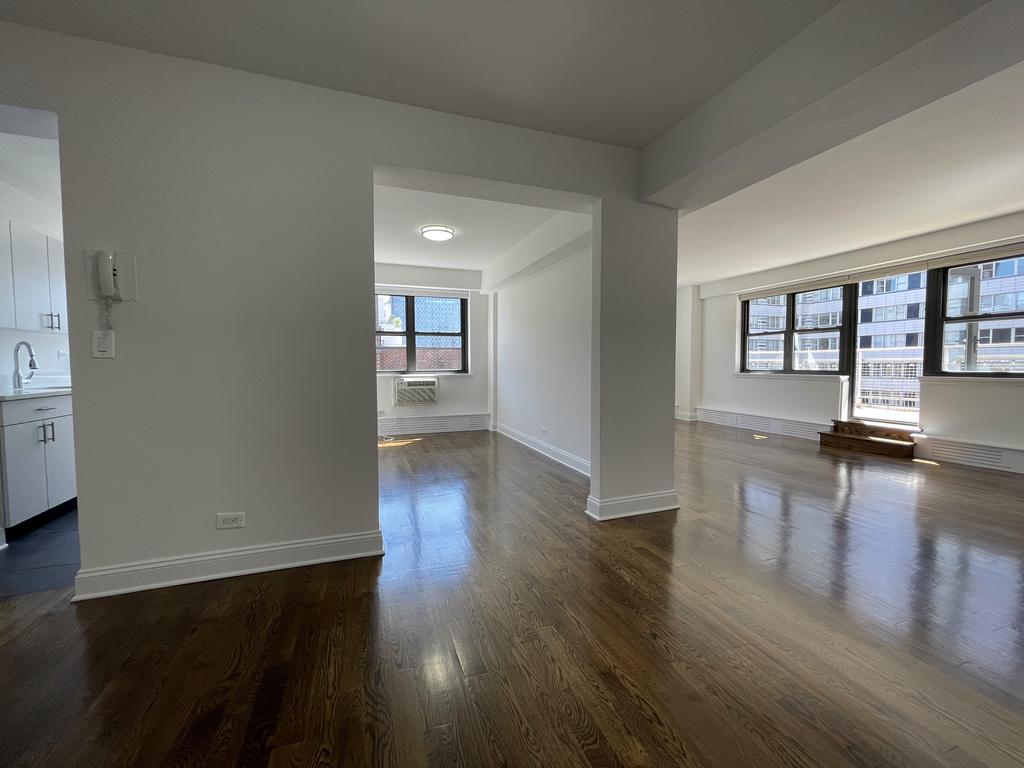 240 East 82nd Street - Photo 5