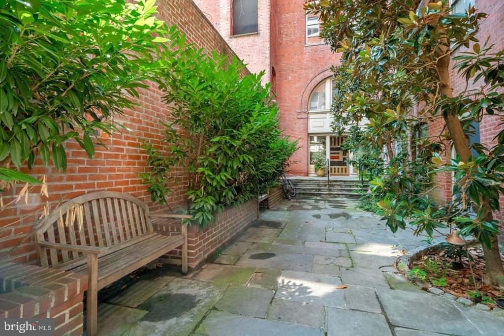 1720 Lombard Street - Photo 5