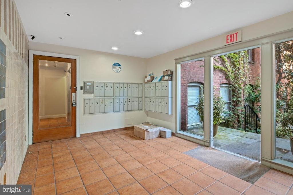 1720 Lombard Street - Photo 7