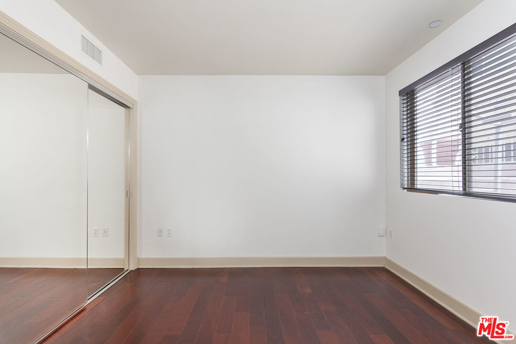 1409 Armacost Ave - Photo 14