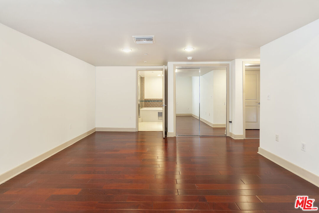 1409 Armacost Ave - Photo 22