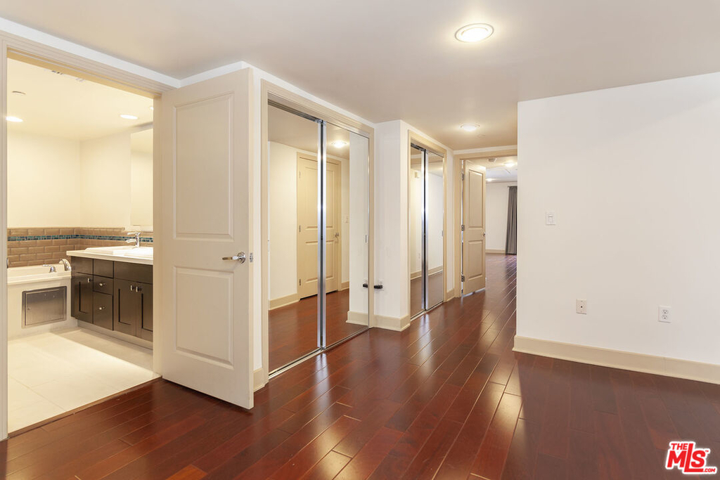 1409 Armacost Ave - Photo 23