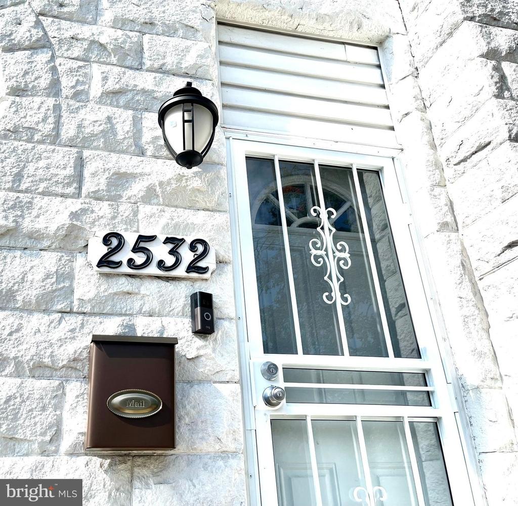 2532 Druid Hill Avenue - Photo 3