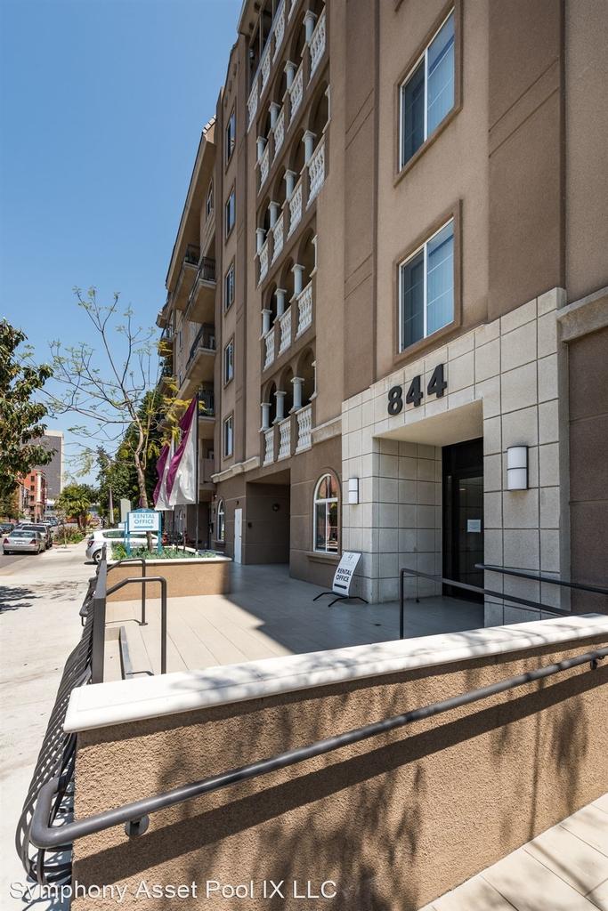 844 Fedora Street - Photo 1