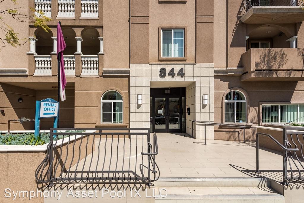 844 Fedora Street - Photo 2