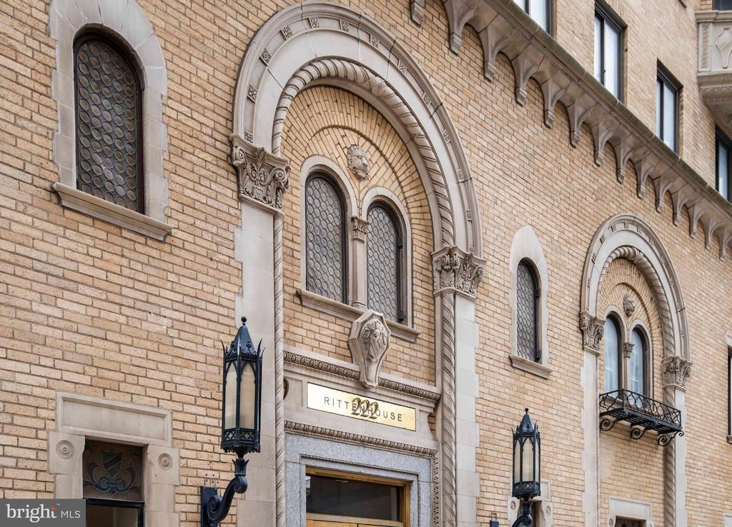222 W Rittenhouse Square - Photo 13