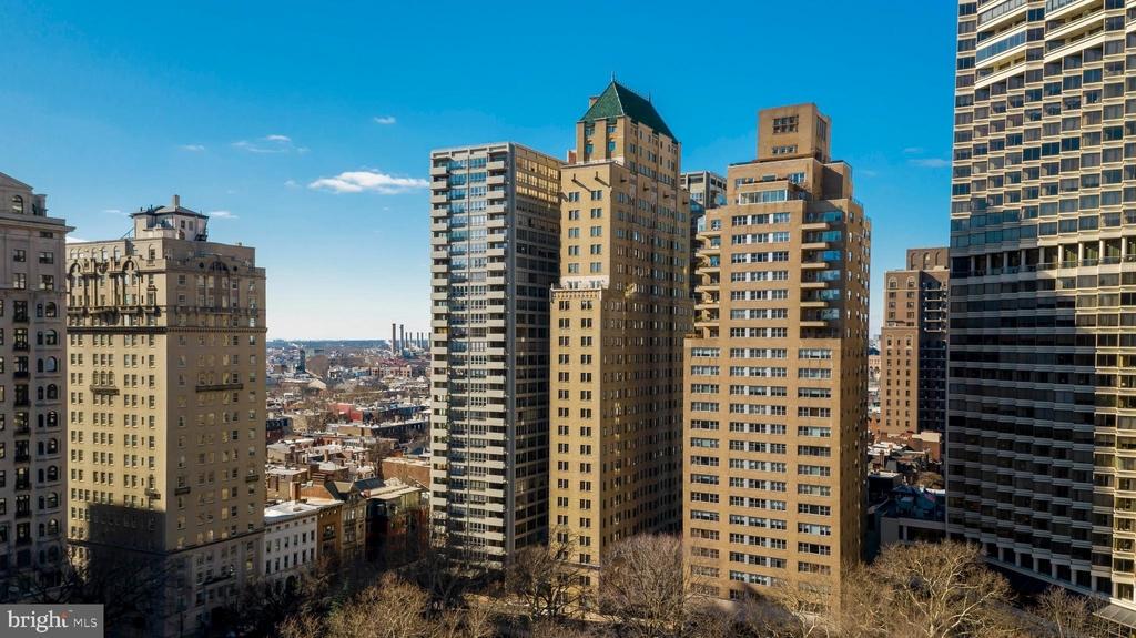222 W Rittenhouse Square - Photo 12