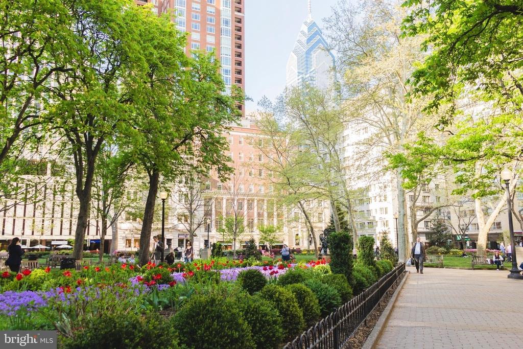 222 W Rittenhouse Square - Photo 17