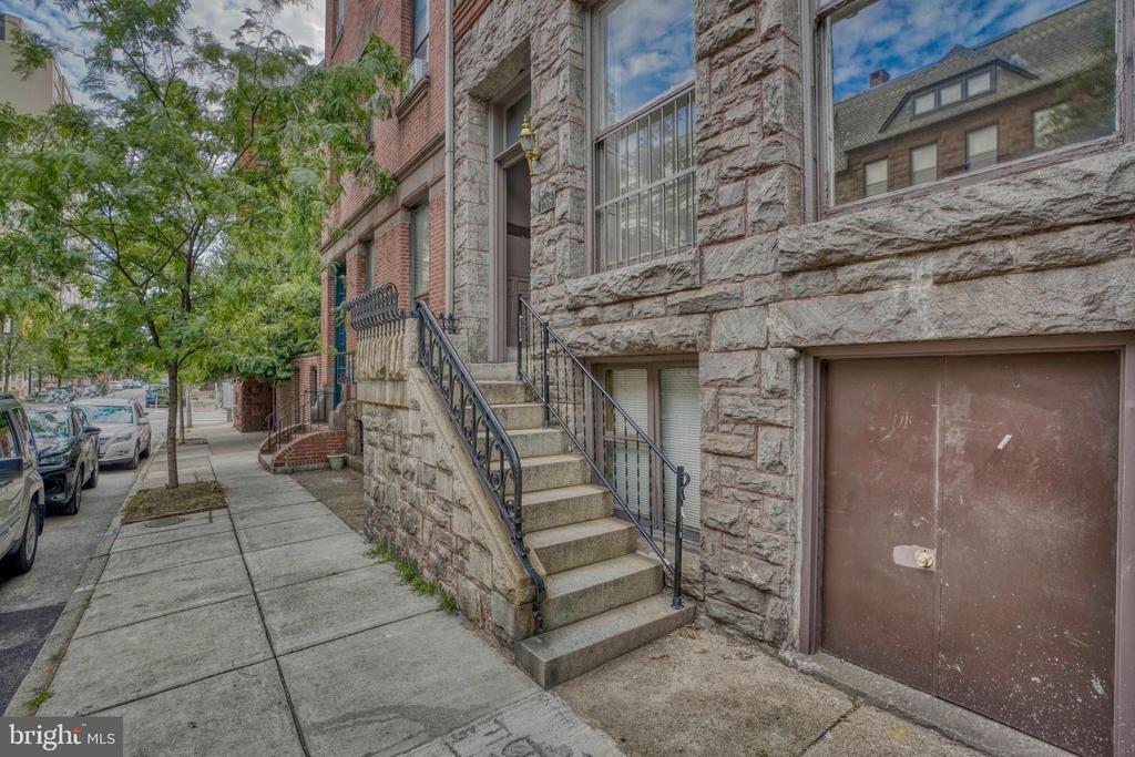 1208 N Calvert Street - Photo 1