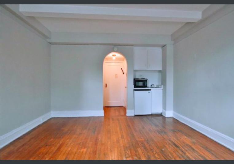 DoormanBldg_Waverly Place - Photo 0