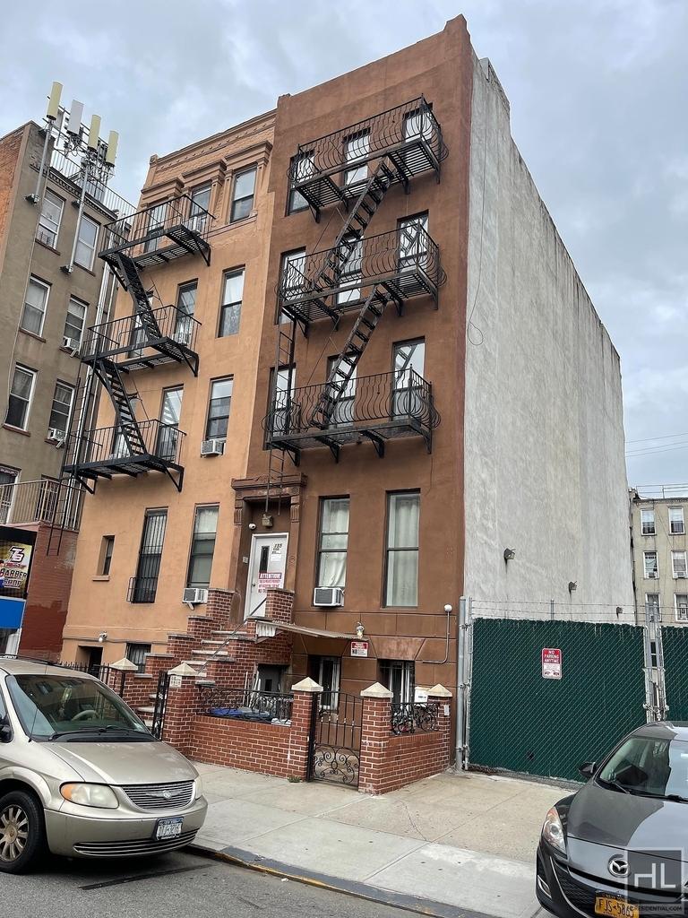 155 East 108 Street - Photo 11