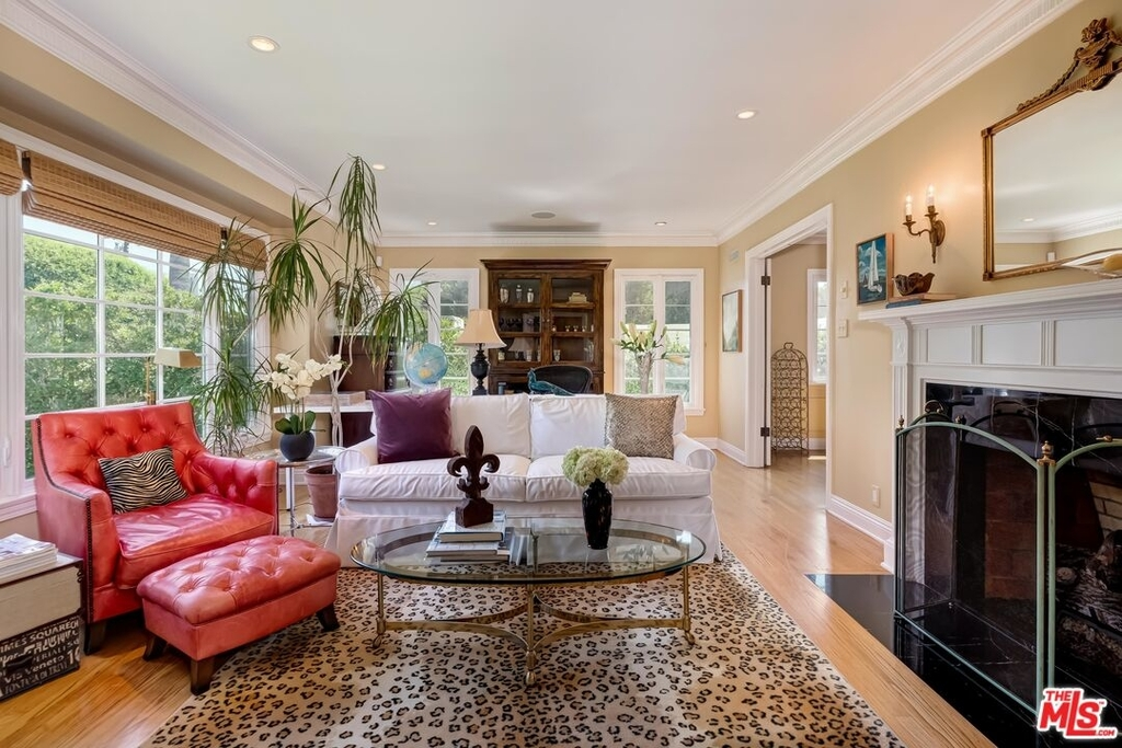 807 N Doheny Dr - Photo 4