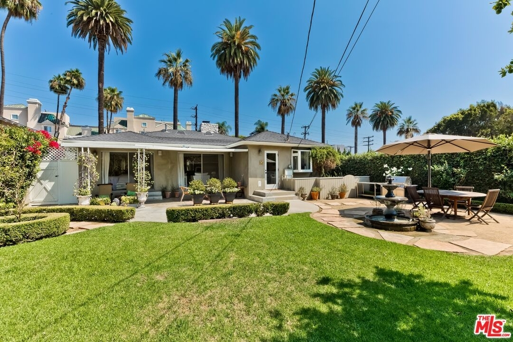 807 N Doheny Dr - Photo 25