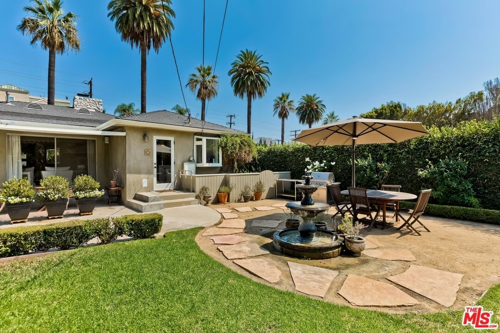 807 N Doheny Dr - Photo 26