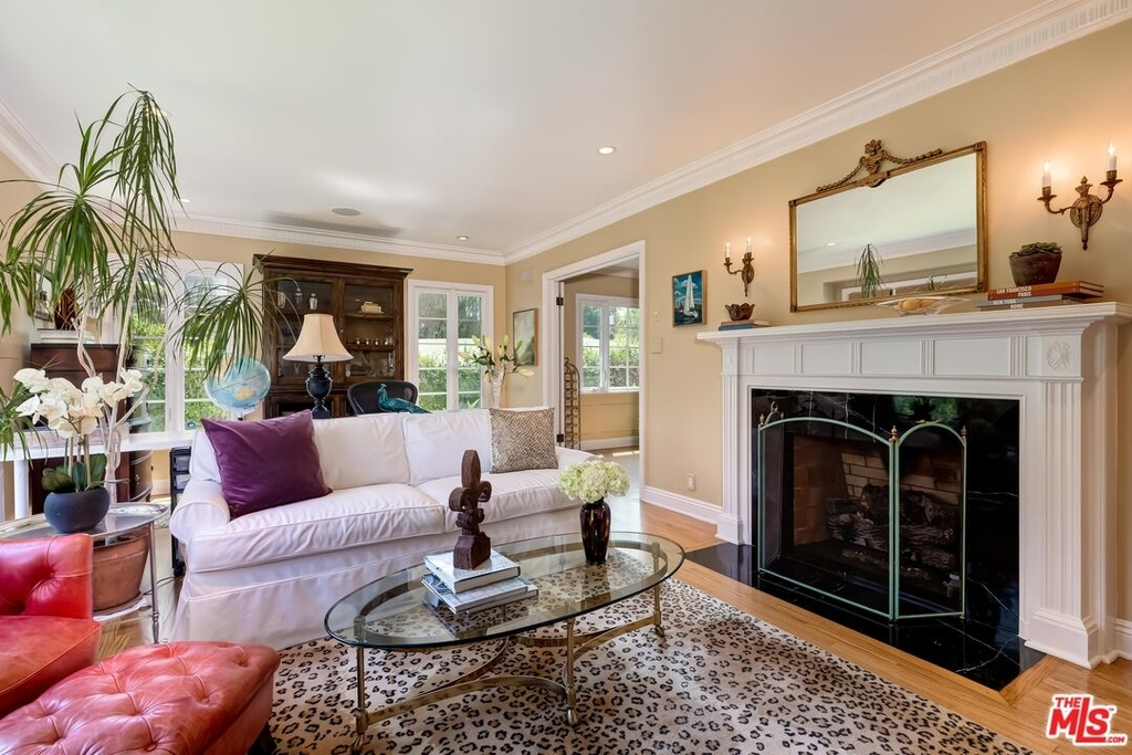 807 N Doheny Dr - Photo 5