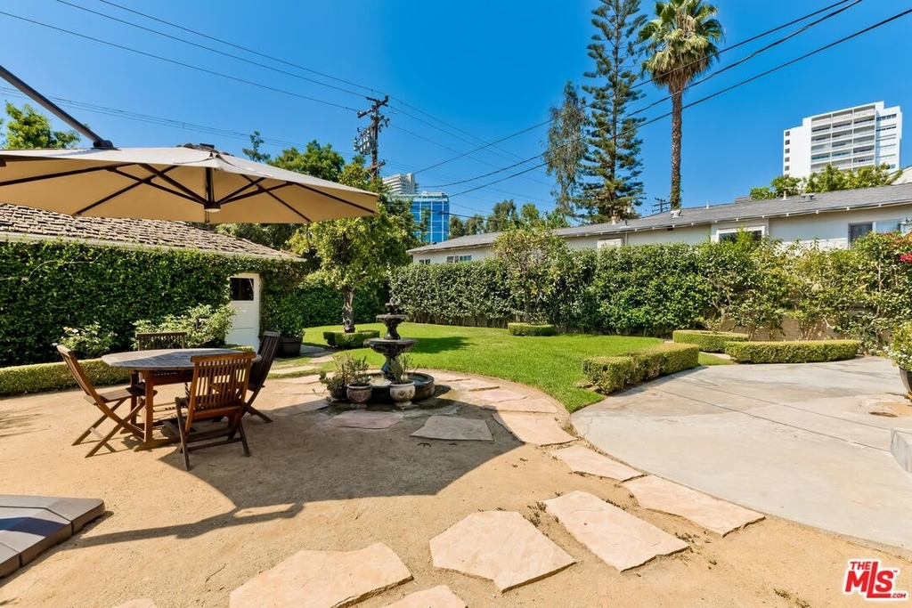 807 N Doheny Dr - Photo 29