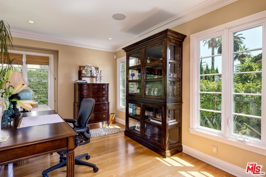 807 N Doheny Dr - Photo 7