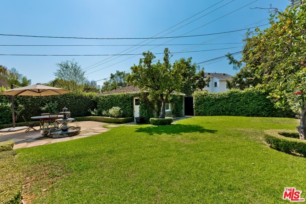 807 N Doheny Dr - Photo 30