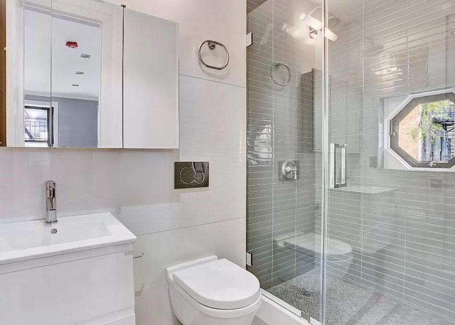 4 beds 4 baths Flat - Photo 10