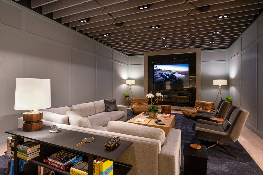Top Tier Luxury Building on West 37th street with Private Terrace - Photo 4