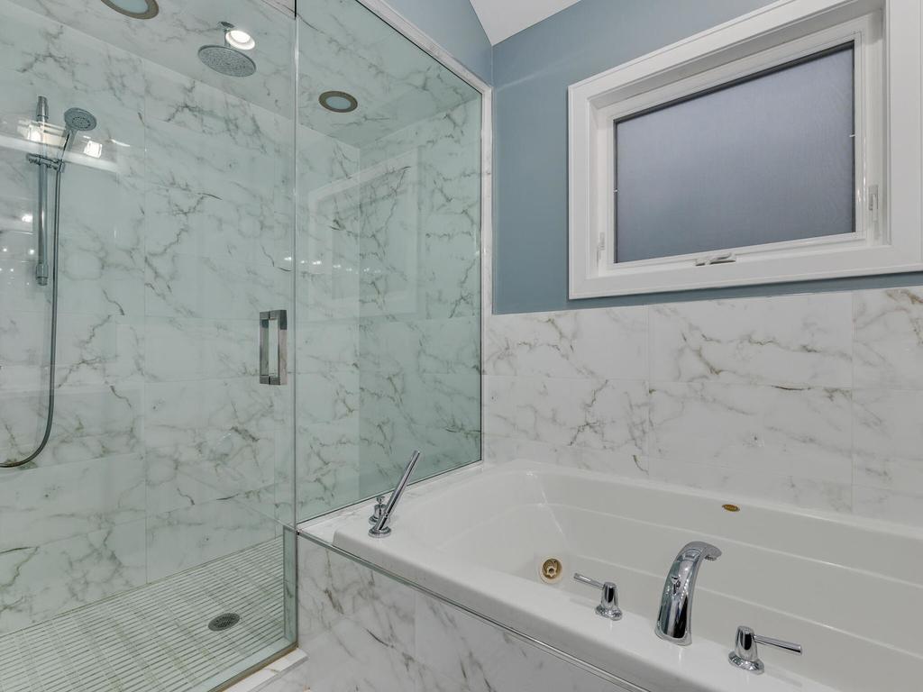844 North Damen Avenue - Photo 13