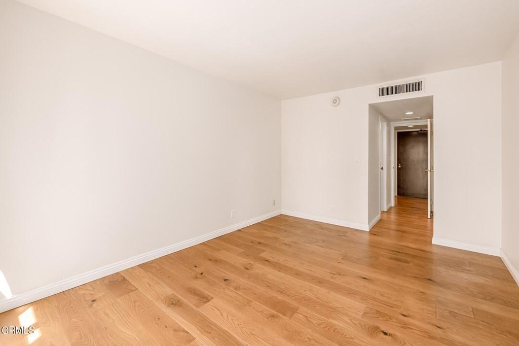 800 W 1st Street - Photo 19