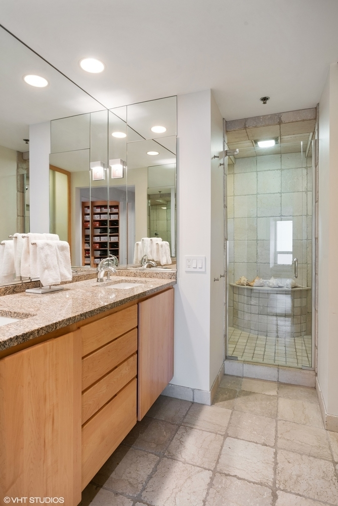 57 East Delaware Place - Photo 18