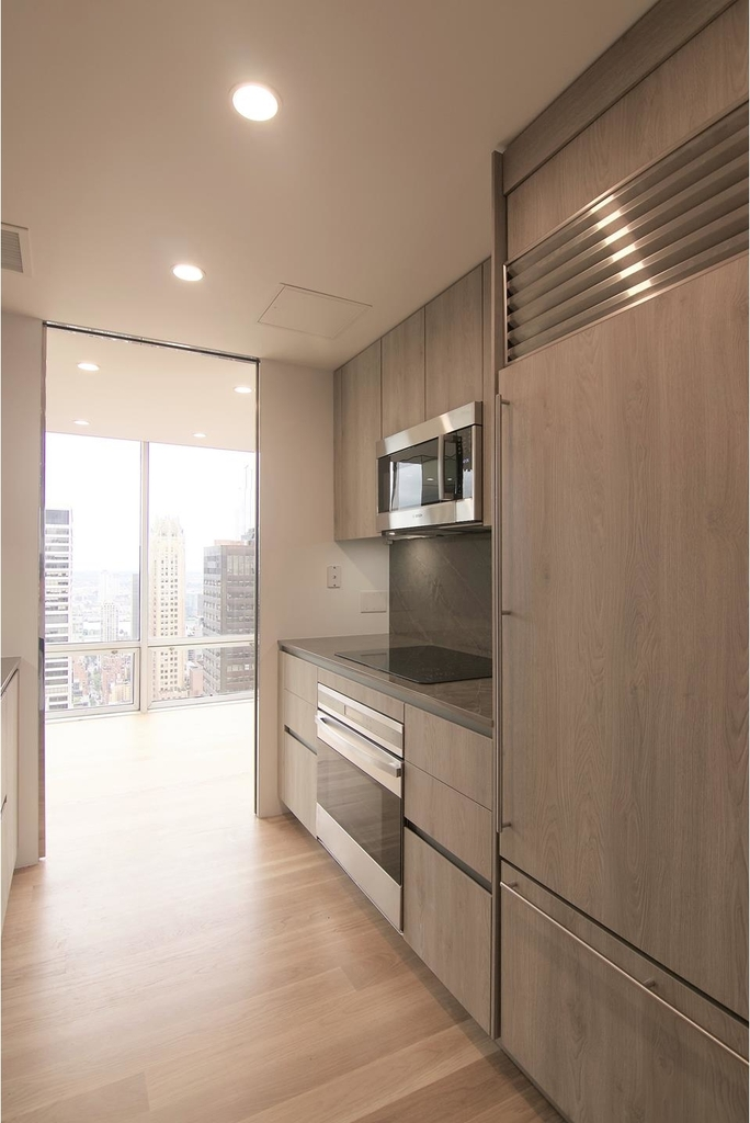 641  Fifth Ave - Photo 3