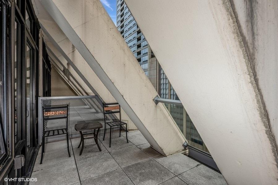 448 East Ontario Street - Photo 9