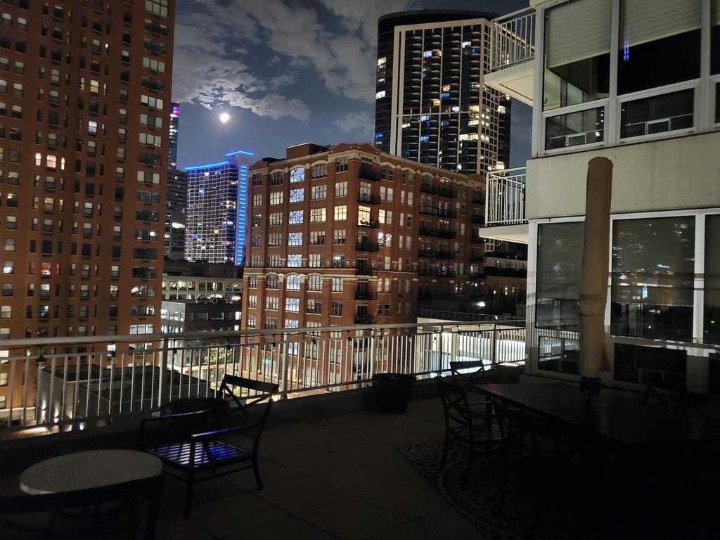 330 West Grand Avenue - Photo 18