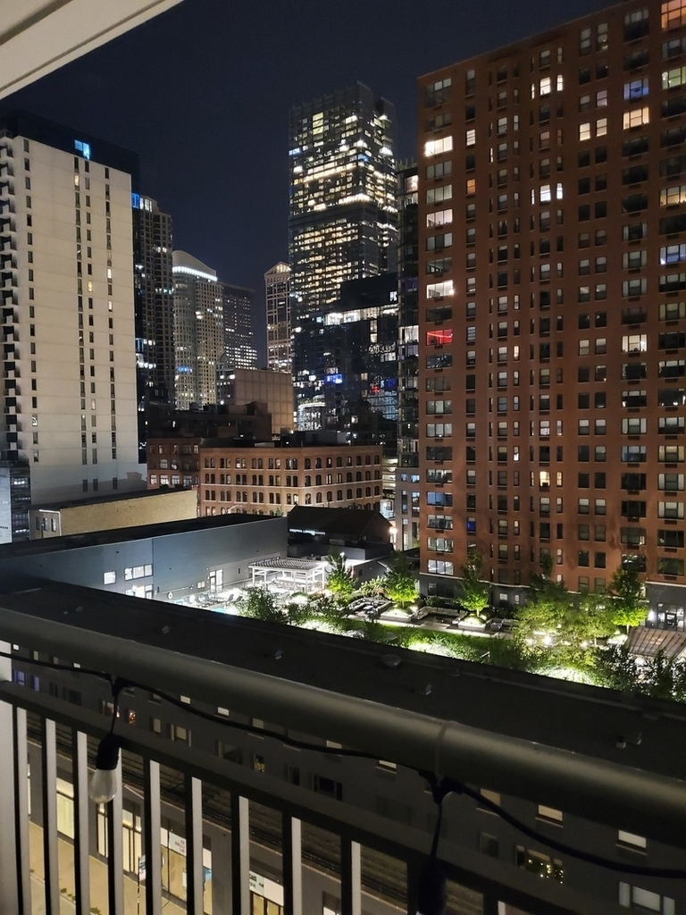 330 West Grand Avenue - Photo 15