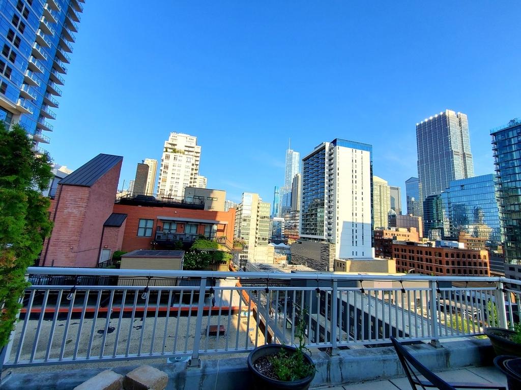 330 West Grand Avenue - Photo 14