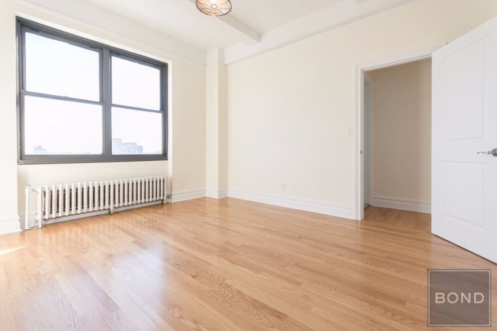 166 Second Ave - Photo 2