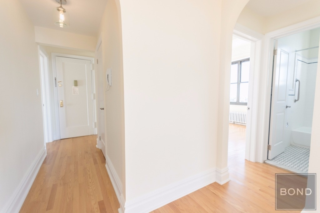 166 Second Ave - Photo 4