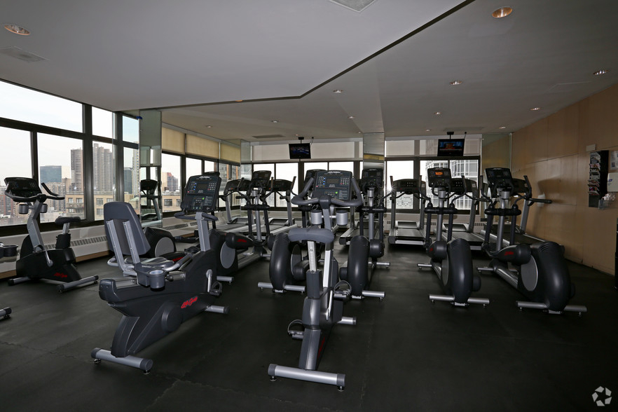 Lexington Ave 1BED CONVERTIBLE 2BED~FULL WALL ALLOWED~24 HR DRMN~POOL,GYM,SAUNA~6Train Close - Photo 7