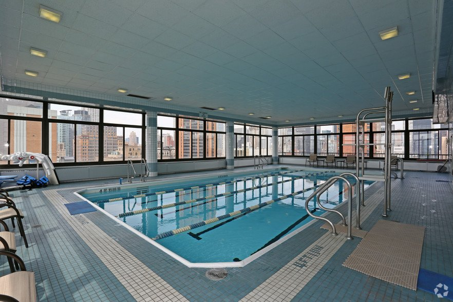 Lexington Ave 1BED CONVERTIBLE 2BED~FULL WALL ALLOWED~24 HR DRMN~POOL,GYM,SAUNA~6Train Close - Photo 6