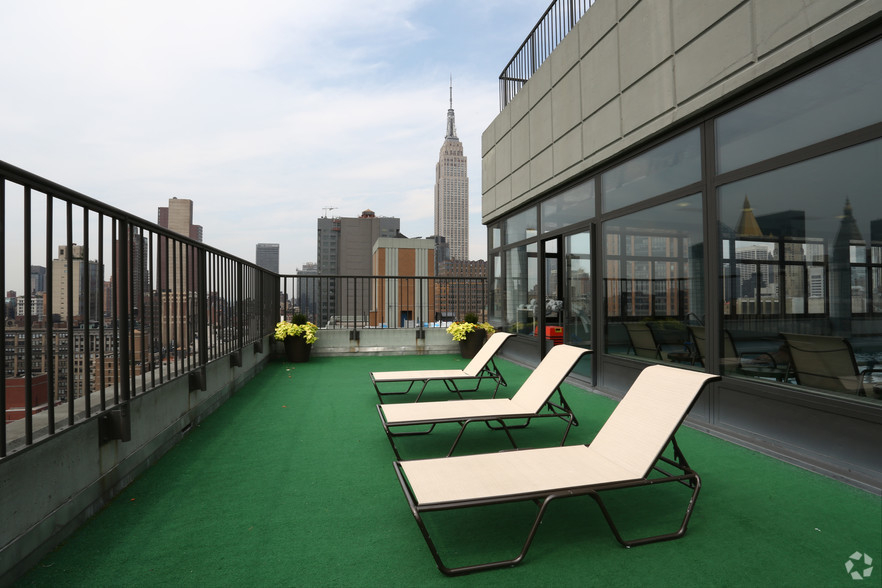 Lexington Ave 1BED CONVERTIBLE 2BED~FULL WALL ALLOWED~24 HR DRMN~POOL,GYM,SAUNA~6Train Close - Photo 8