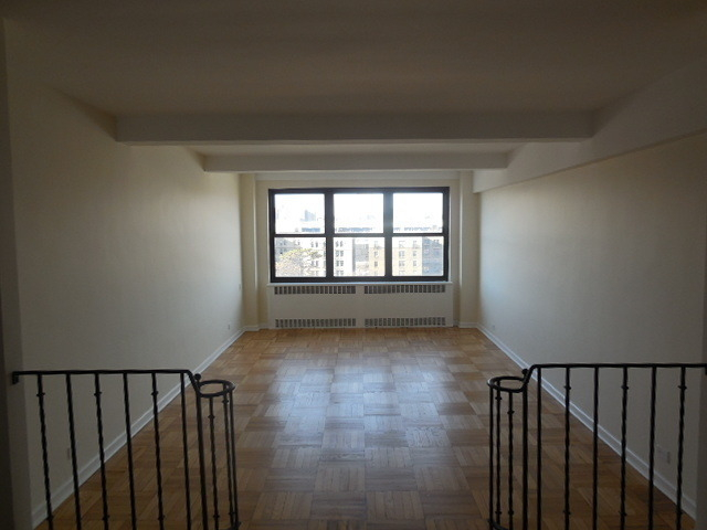 3 Bedrooms, Concourse Village Rental in NYC for $3,050 - Photo 1